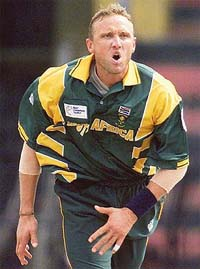 allan donald Top 10 Best Fast Bowlers in Cricket History
