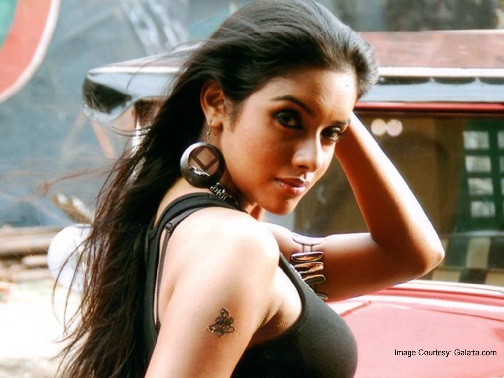 asin hot 2011 Top 10 Bollywood Hot Female Actresses for 2011