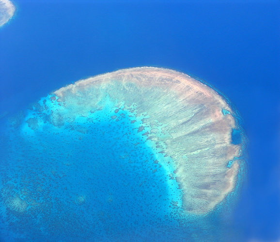 great barrier reef australia photo 10 Most Beautiful Places in The World to Visit.