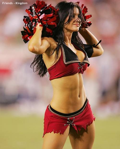 hot sexy IPL cheerleaders 2011 10 Top 10 Hot IPL Cricket Cheerleader Photos