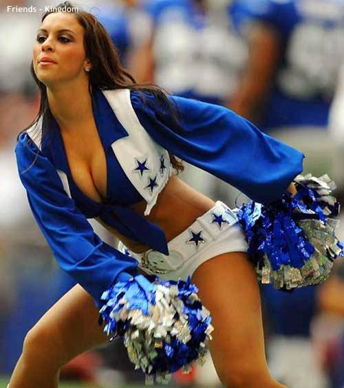hot sexy IPL cheerleaders 2011 2 Top 10 Hot IPL Cricket Cheerleader Photos