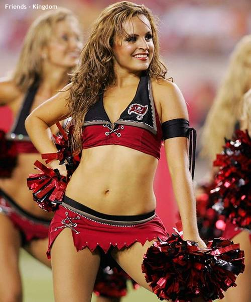 hot sexy IPL cheerleaders 2011 8 Top 10 Hot IPL Cricket Cheerleader Photos