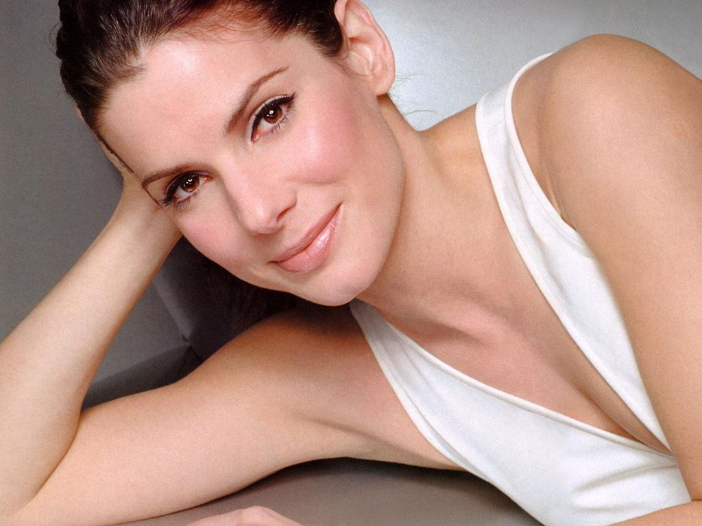 sandra bullock hot 2011 most paid actress Top 10 Highest Paid Hollywood Female Actresses 2010   2011