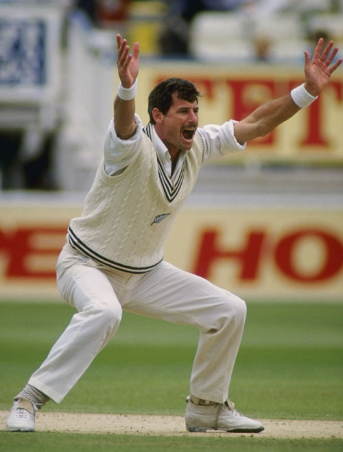 sir richard hadlee Top 10 Best Fast Bowlers in Cricket History