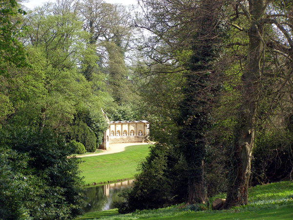 stowe garden valentines day 2011l Top 10 Places To Go For This Valentine's Day – 2011