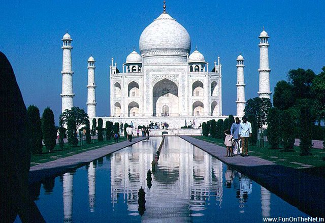 taj mahal india 2011 10 Most Beautiful Places in The World to Visit.