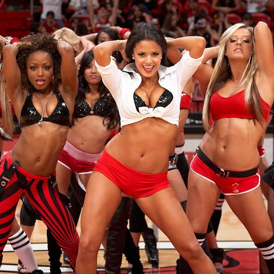10 Hot and Sexy Cheerleader Photos Copy_of_Sexy_cheerleader_photos 3 ? Tip ...