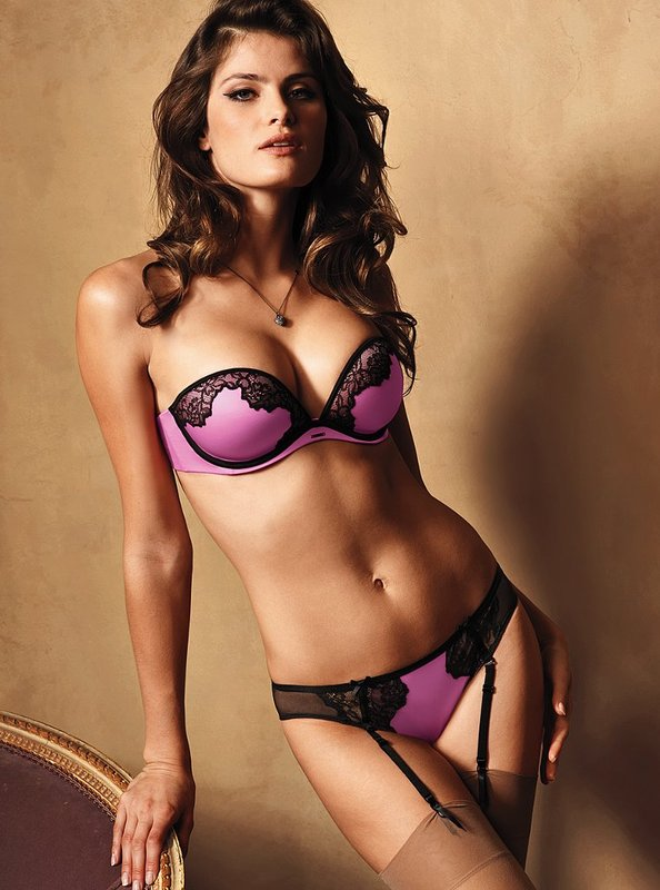 Isabeli Fontana pics 2 Top 10 Hot Isabeli Fontana Photos   Victorias Secret