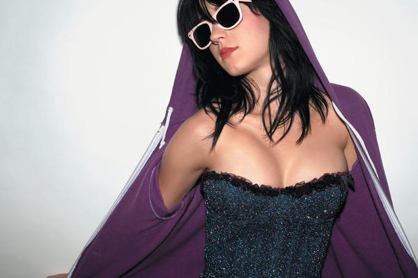 Katy Perry Top 10 Most Popular Female Singers in 2011