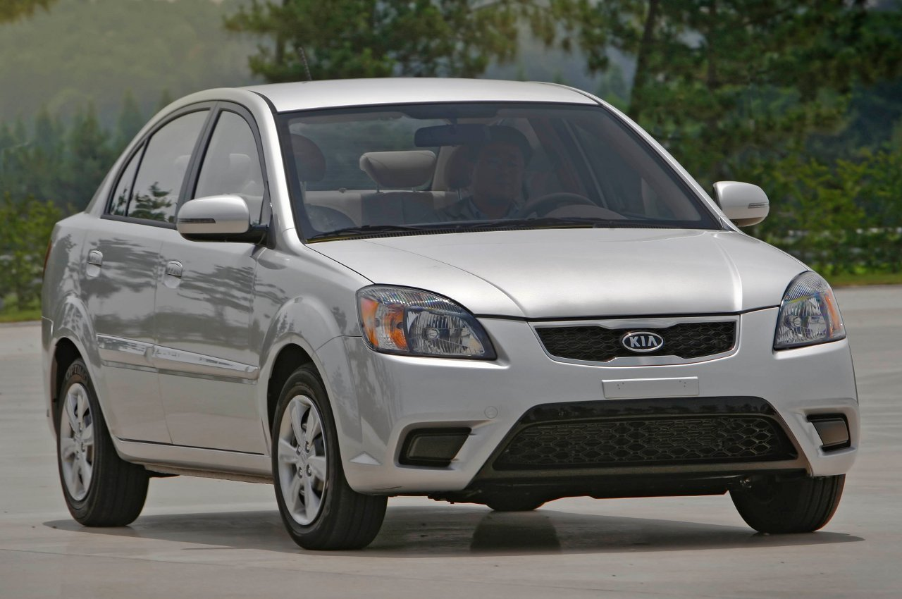 Kia Rio Base Sedan Top 10 Most Affordable Cars in US – 2011