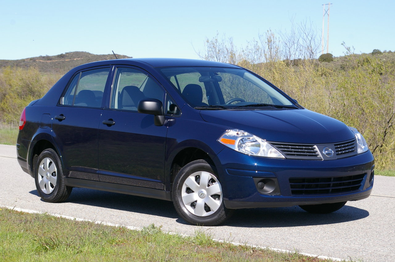 Nissan Versa 1.6 Top 10 Most Affordable Cars in US – 2011