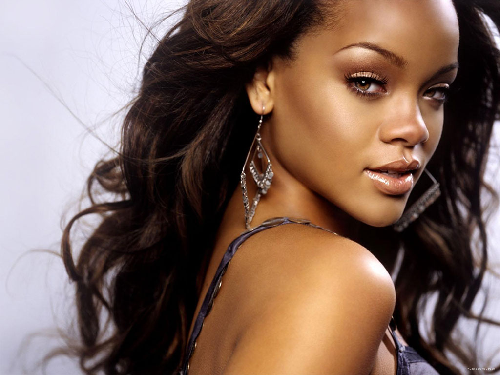 Rihanna Top 10 Most Popular Female Singers in 2011