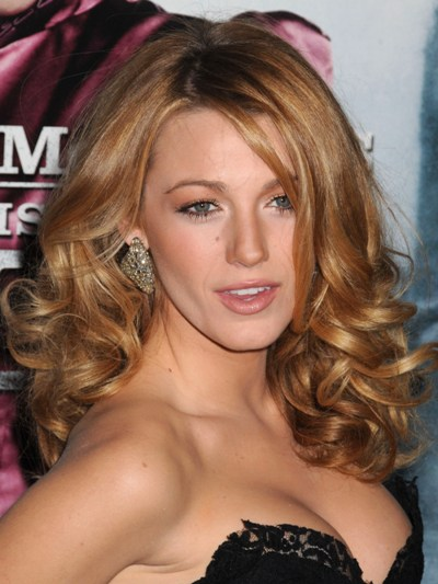 blake lively hot sexy Top 10 Hottest and Most Successful Female Teen Celebrities