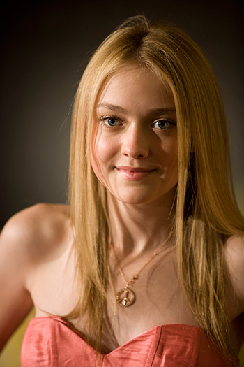 dakota fanning11 Top 10 Richest Hollywood Teen Celebrities