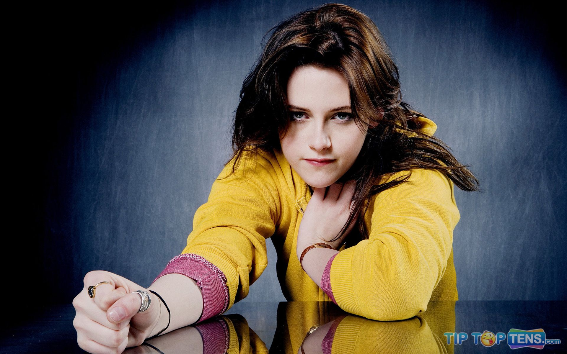 kristen stewart wallpaper 10 Hot Kristen Stewart Wallpapers