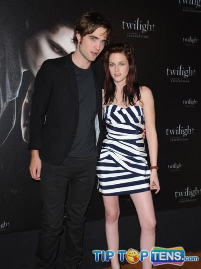 robert pattinson and kristen stewart Top 10 Hottest Celebrity Couples