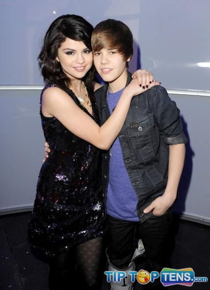 selena gomez and justin bieber Top 10 Hottest Celebrity Couples