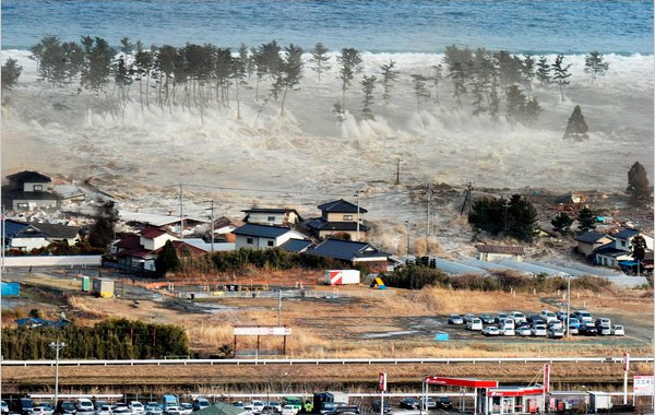 2011 Tōhoku earthquake and tsunami 10 Worst Natural Disasters of 21st Century