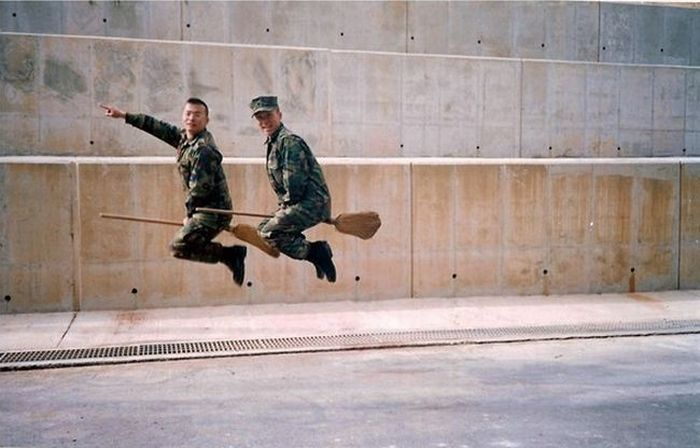Funny Army Pics 8 10 Funniest Army Pics