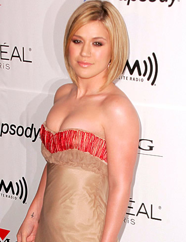 kelly clarkson 10 Most Beautiful American Idol Women Ever