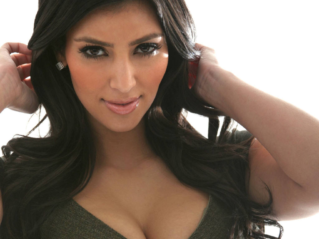 kim kardashian 10 Things You Want To Know About Kim Kardashian
