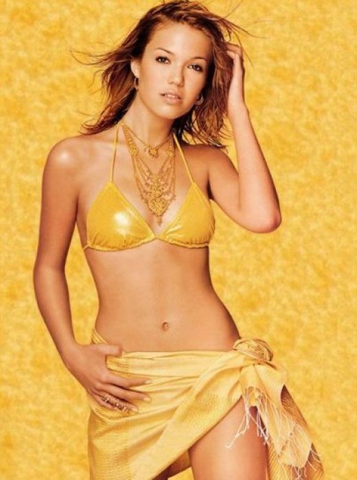 Mandy Moore 10 Prettiest Women Born In April