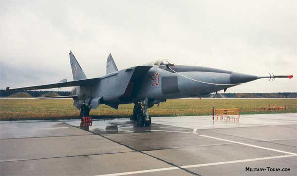 MiG 25 Foxbat 10 Fastest Jet Aircraft In The World