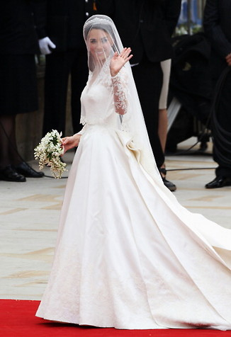 catherine kate middleton wedding dress 10 Royal Wedding 2011 Photos
