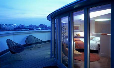 yotel heathrow 10 Most Affordable Luxury Hotels In London