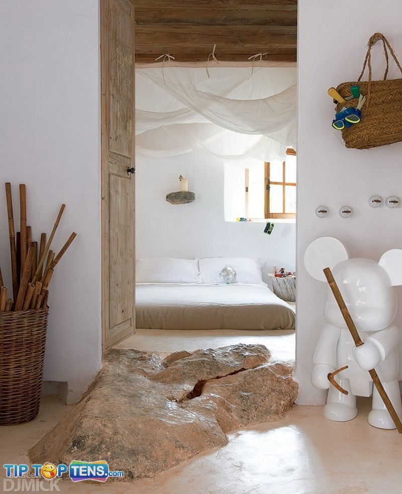 1 8 10 Photos Of The Awesome Cave House in Mallorca   Spain