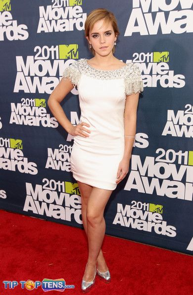 emma watson 2011 mtv movie awards. hairstyles Emma Watson is gorgeous as emma watson mtv movie awards dress.
