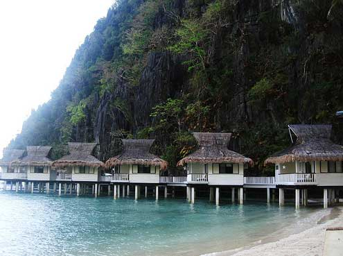 Secluded on an Island 10 Best Hotel Themes