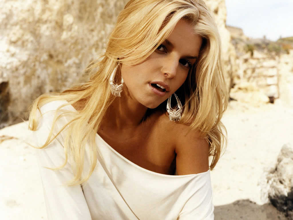 Jessica Simpson Top 10 Hottest Women Born In July