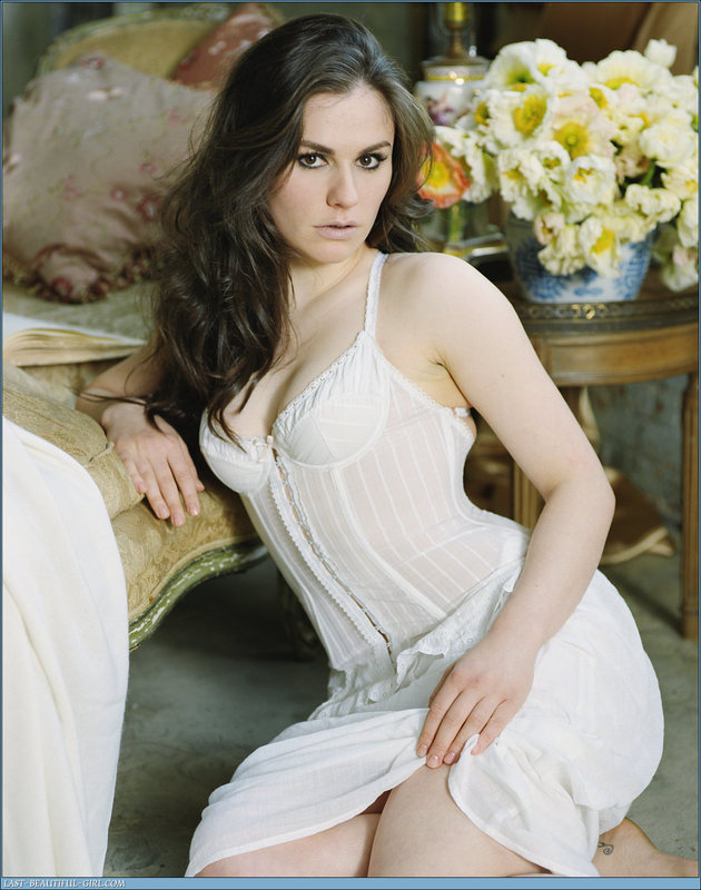 anna paquin Top 10 Hottest Women Born In July
