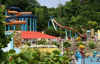0811 e1312891987178 Top 10 Largest Water Parks