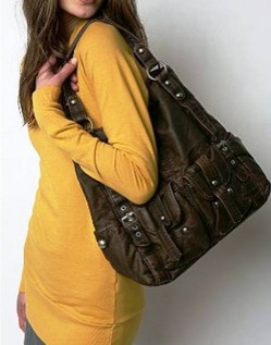 3. Over Sized Toe e1314603876586 Top 10 Best Womens Handbags in 2011