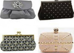 5. Chained Clutch e1314603745976 Top 10 Best Womens Handbags in 2011