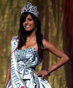 6. Laetitia Darche – Ms. Mauritius e1314683387925 10 Hottest Miss Universe Contestants in 2011