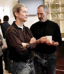 6. Temporary CEO for Apple A Couple of Times 10 Interesting Facts About Tim Cook