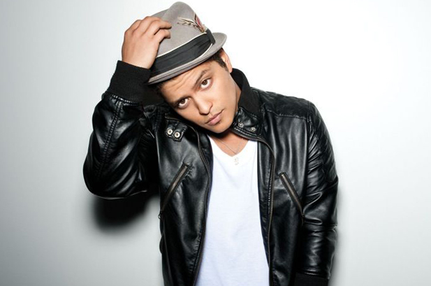 bruno marz Top 10 Most Popular Male Singers in 2011