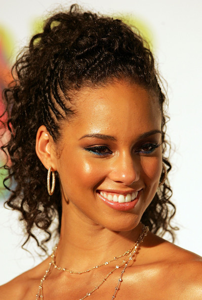 curly ponytails Top 10 Best Curly Hairstyles