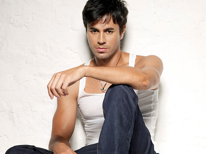 enrique Top 10 Most Popular Male Singers in 2011