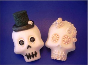 10. Novio Skulls e1316206342304 10 Most Creative Sugar Skull Recipes for the Day of the Dead