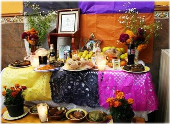 3. Food is Offer to their Graves e1316200279191 10 Facts about the Day of the Dead