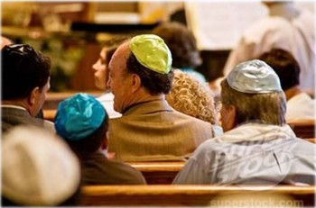 3. Staying in Synagogue Services e1317306367250 Top 10 Traditions on Yom Kippur Day