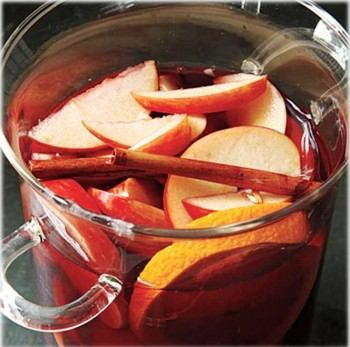 4. Apple Sangria e1317138789381 Top 10 Most Popular Apple Recipes During Fall Season