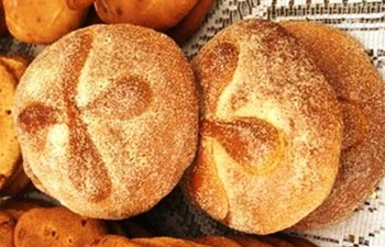 5. Special Loaves of Bread is Baked e1316200152356 10 Facts about the Day of the Dead