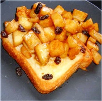 7. Sautéed Apples e1317138594452 Top 10 Most Popular Apple Recipes During Fall Season