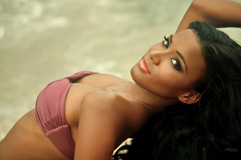 leila lopes hot