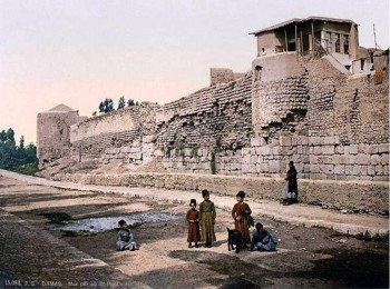 1. Damascus e1320043891633 Top 10 Oldest Historical Places in the World